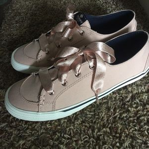 BRAND NEW Lace Rose Lounge Sperry's Size 8